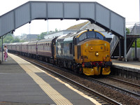 37403 tnt 37025 at Dalmeny