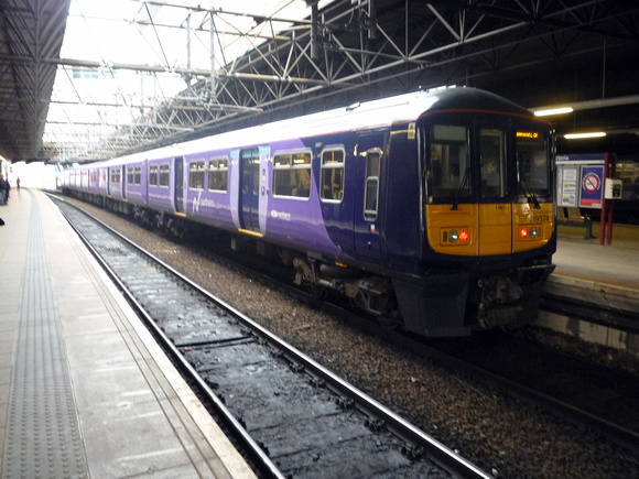 319374 at Manchester Victoria