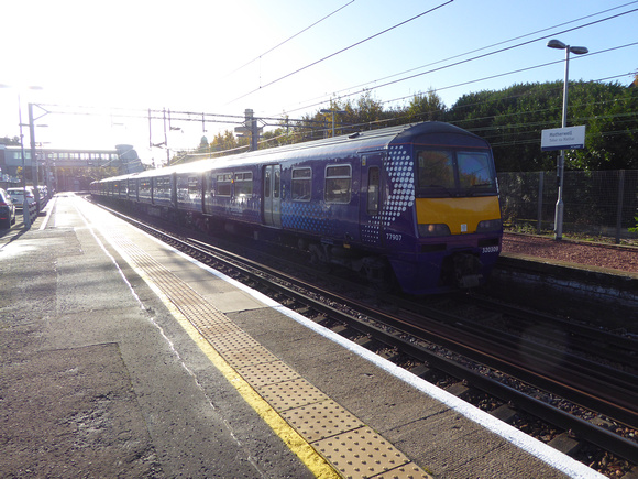 320309 at Motherwell