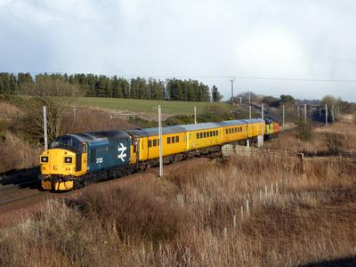 37025 tnt 37116 at Cartland