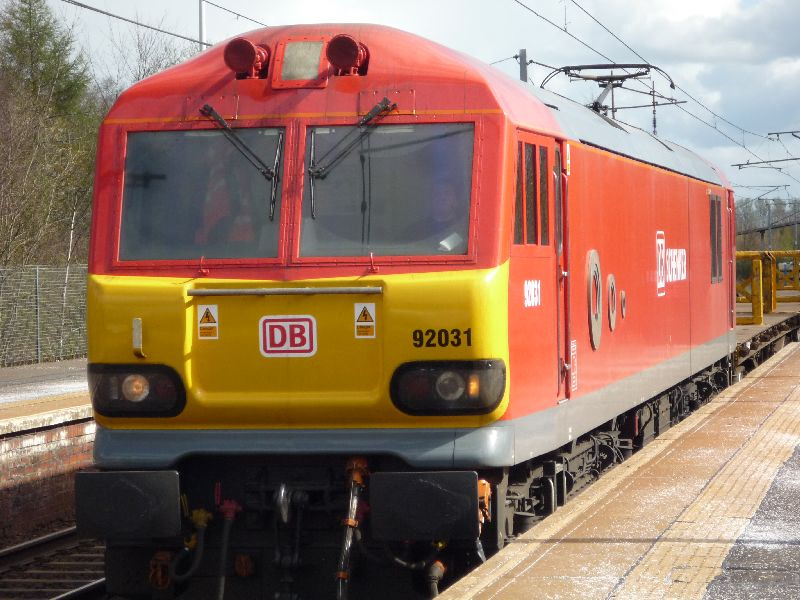 DB Schenker 92031 passing Holytown with 6S51 Carlisle Yard - Mossend Departmental