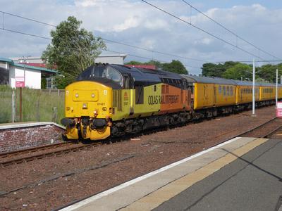 37421 tnt 37521 at Lanark