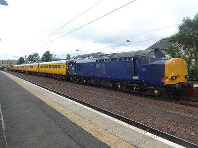 37612 tnt 37421 at Lanark