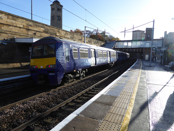 320415 at Motherwell