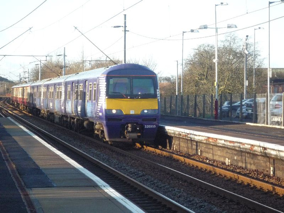 320315+320311 at Uddingston