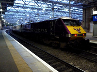 91101 at Edinburgh Waverley